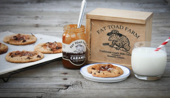 Bourbon-Salted-Caramel-Chocolate-Chip-Cookies-with-Fat-Toad-Farm-1024x592